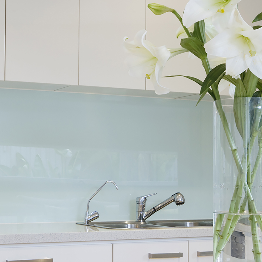 Splashback - Double Glazing Bedford Splashbacks, Mirrors and Shower screens Bedfordshire | Clearglaze