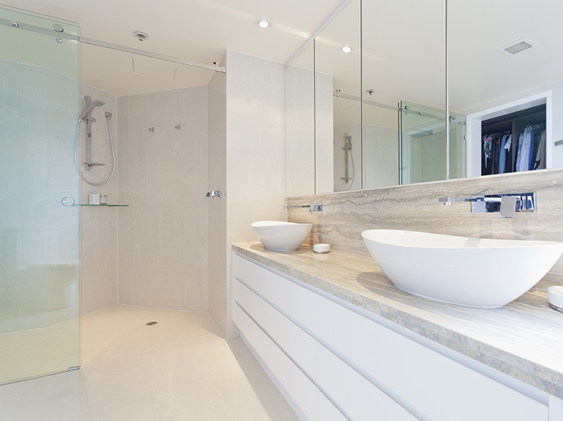 Mirror - Double Glazing Bedford Splashbacks, Mirrors and Shower screens Bedfordshire | Clearglaze